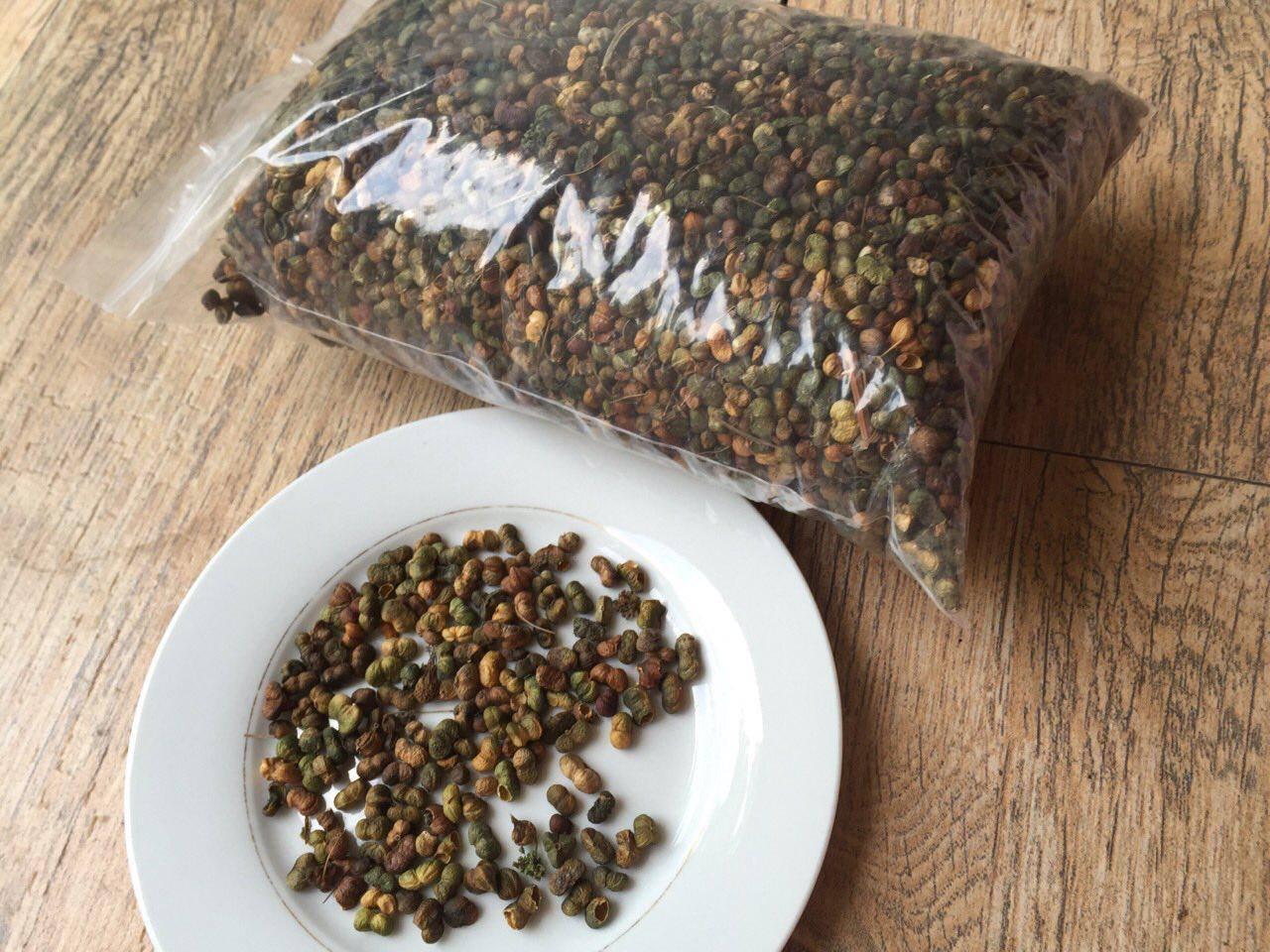 Quả tam thất sau khi được phơi khô, dùng để pha trà